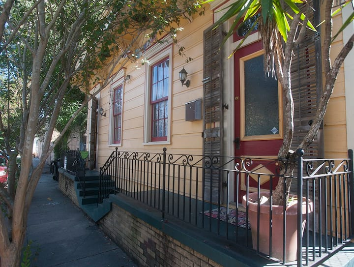 Colorful Suite of Rooms in Bywater #20-RSTR-32331