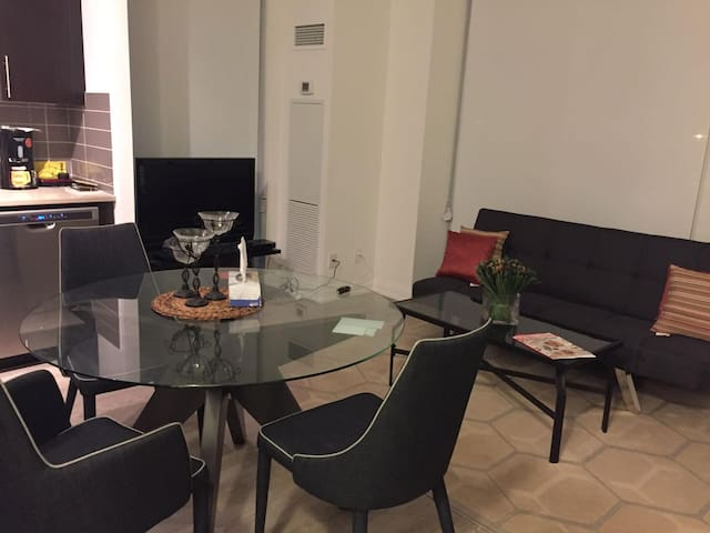 2-bed fully furnished Condo in downtown Oakville - Oakville - Kondominium