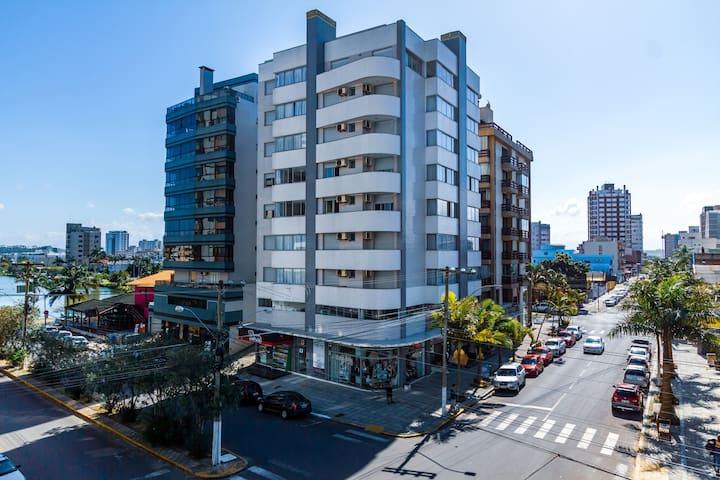 A Furninha Suítes-Torres RS-Três dormitórios.