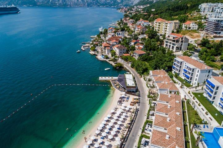 BeachFront Villa Donkovic With Boka Bay View
