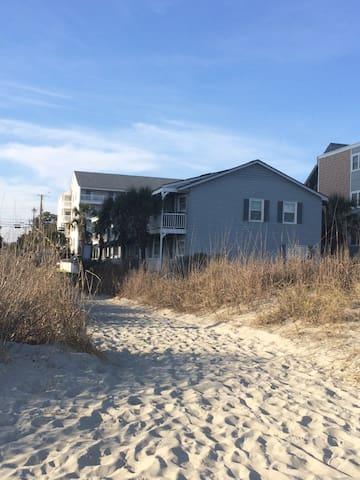 Beautiful Beach Front Townhouse - North Myrtle Beach - Şehir evi
