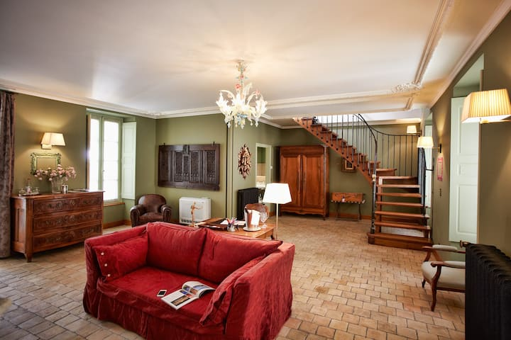 Bel Appartement Duplex pour 2 au cœur de Beaune