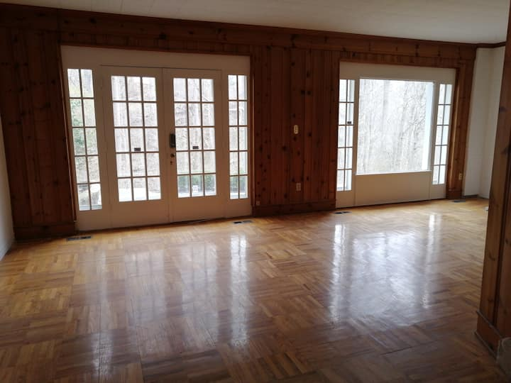 private basement large bedroom with wonderful yard