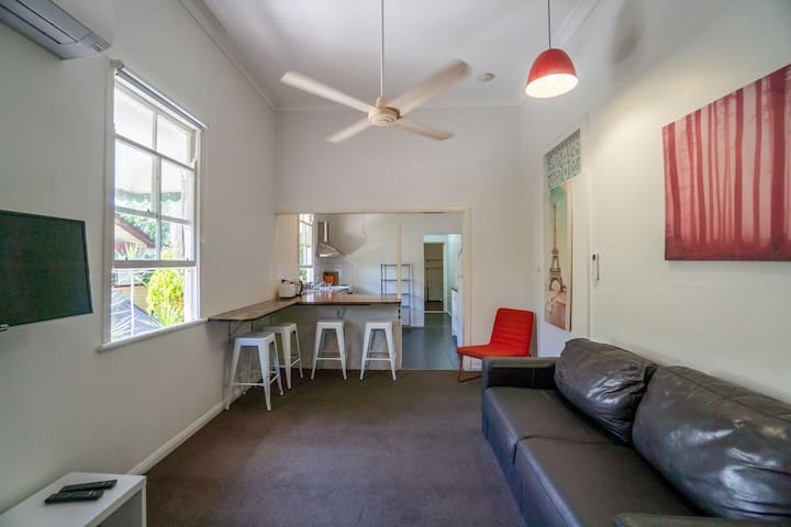 1 Bedroom Apartment /// Cairns Central