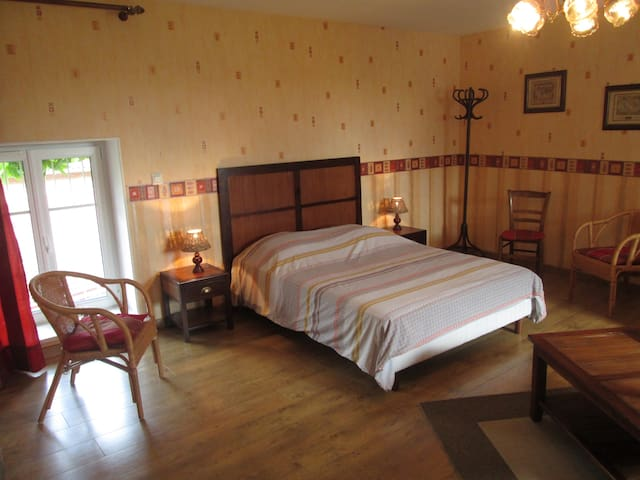 Chambre Mirabelle - Cheminot - Bed & Breakfast