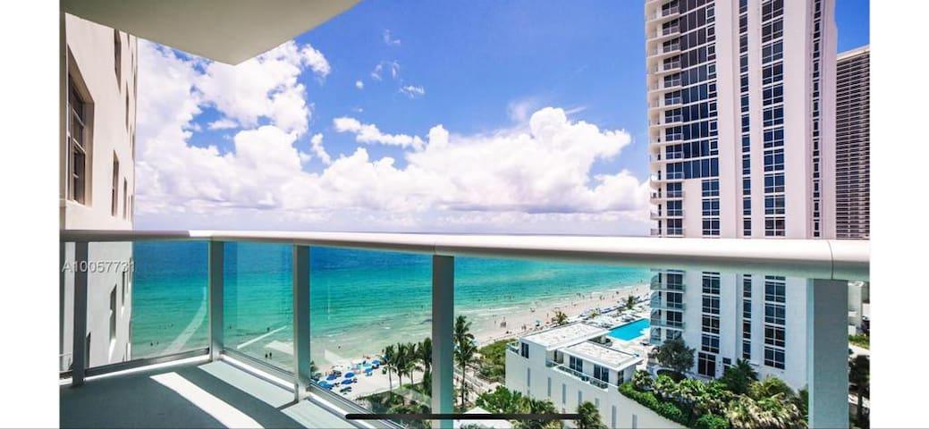 The Tides - Miami Apartment on Hollywood Beach