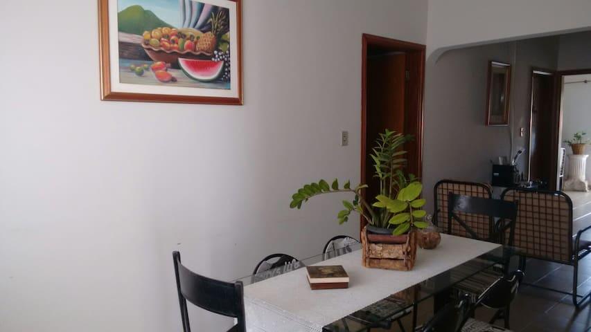 Hostel Casa Cuiabá próximo a Arena Pantanal. - Cuiabá - Huis
