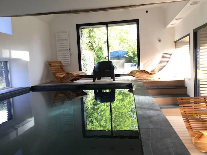 Gîte avec piscine intérieure chauffée, Cap Sizun