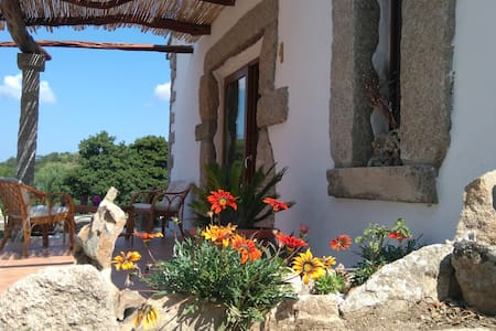 B&B Cuore di Gallura purple room - Tempio Pausania - Bed & Breakfast