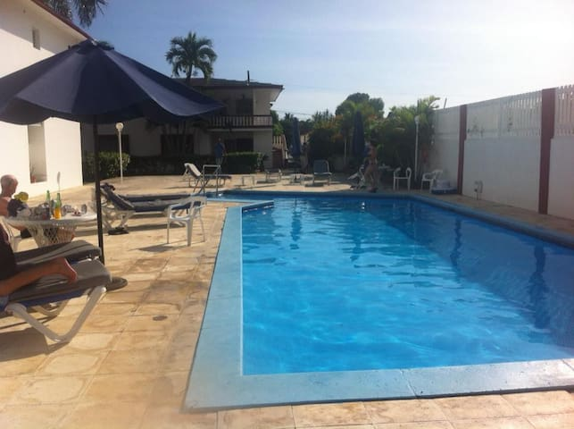 Cozy Bedroom APT 24 hr. Security and Pool area - Boca Chica - Appartement