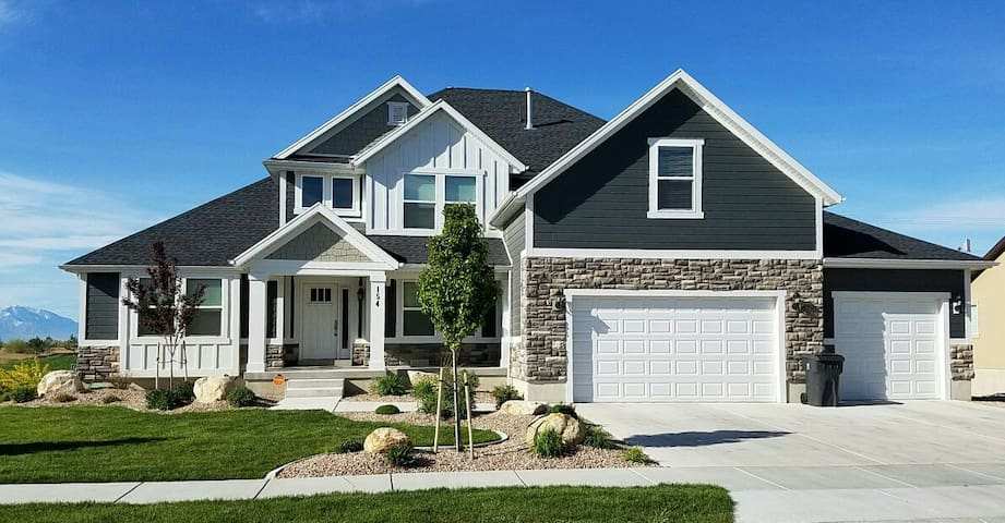 Luxury Golf Home-Minutes from BYU, UVU, & MTC - Vineyard - House