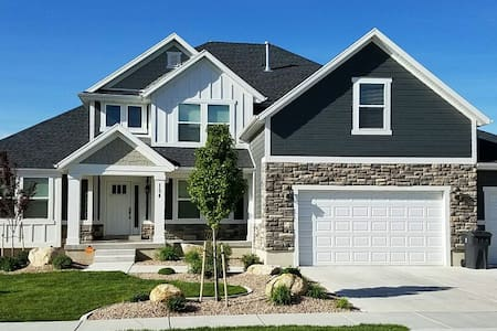 Luxury Golf Home-Minutes from BYU, UVU, & MTC - Vineyard - Huis