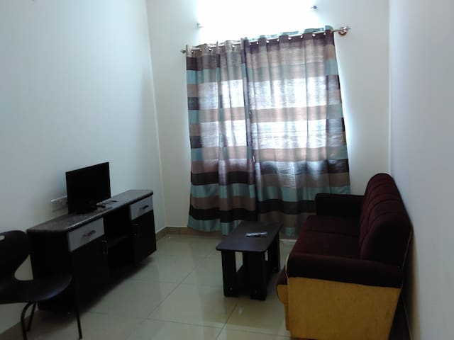 Entire, Clean, Modern Compact 1BHK in HSR Layout - Bengaluru - House