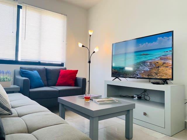 Nuestra SmartTV tiene acceso a Netflix, y canales de paga!