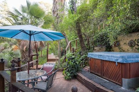 La Casita Guest House + Spa and Mini Golf Course
