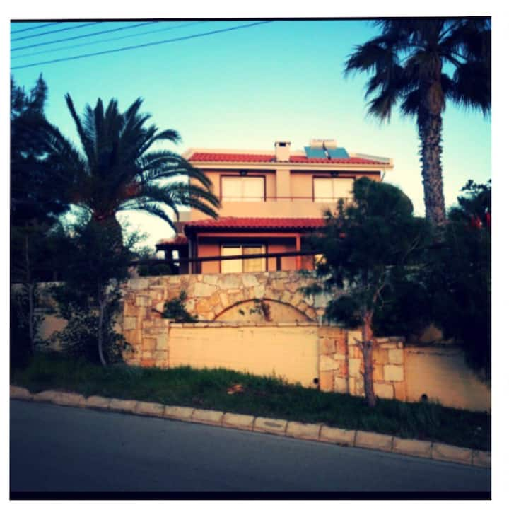 Melanda Pissouri Bay Luxury Villa