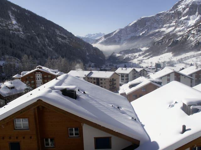 Appartement rénové avec belle vue sur montagnes - Leukerbad - Apartment