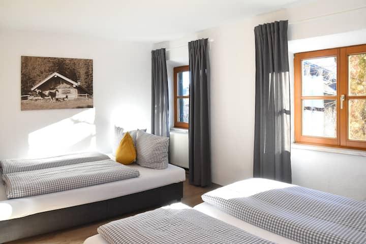 Alps Hostel - 4 Bett Zimmer