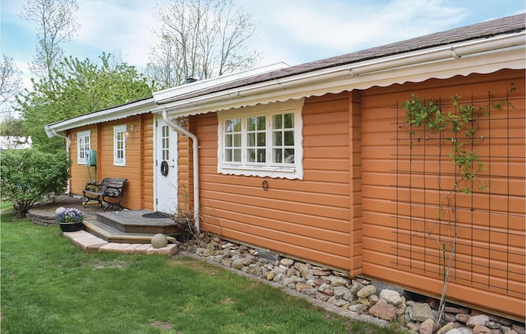 Holiday cottage with 2 bedrooms on 60m² in Köpingsvik