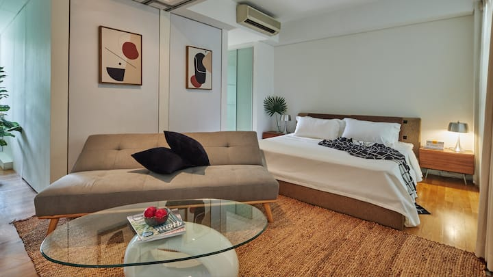 Kaffir Suite in the Heart of Orchard Road!