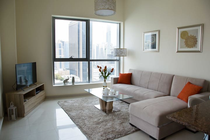 Stylish apt with great views and good energy