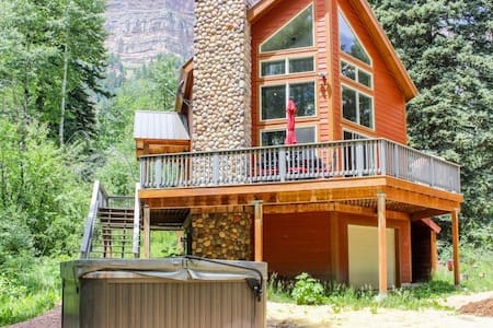 Secluded Cabin on 1 Acre - Hot Tub, Fire Pit, Ping Pong and Deck with Views