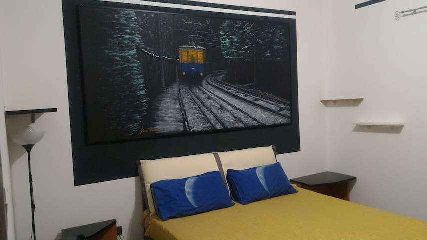 Appartamento nuovo con posto auto - トリエステ - アパート