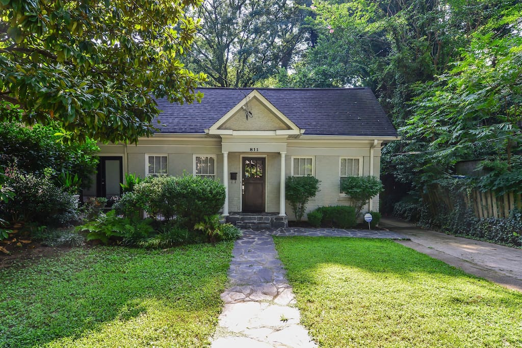 Impeccable Bungalow 811 In Midtown Bungalows For Rent
