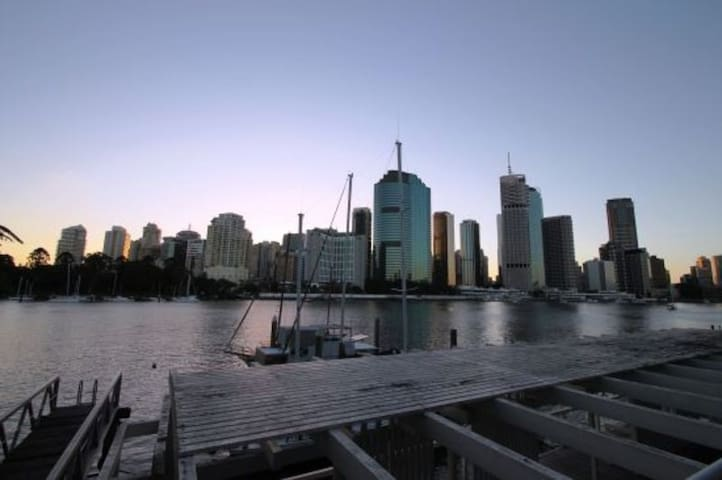 Your home across the river - Kangaroo Point - House