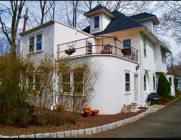Walking Distance to Downtown Princeton Home - Princeton - Huis