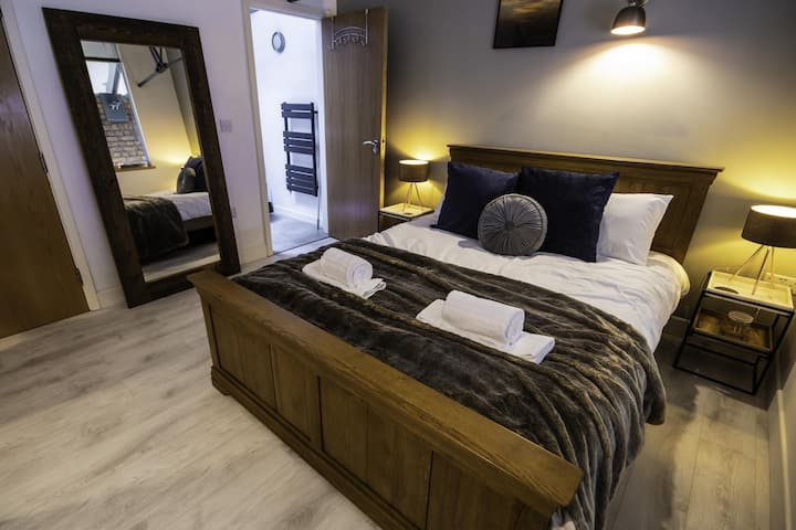 Stunning Duplex next to Manchester Arena By Pillo Rooms