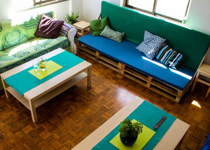 The living room where you can relax and recover aprés  surf.