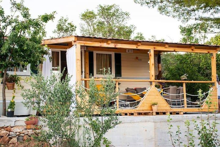 "Seaside Mobile Home ""Đardin"", true hidden paradise"