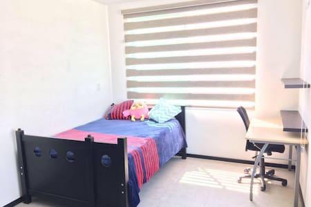 Beautiful Single Room, just for you - Cholula - บ้าน