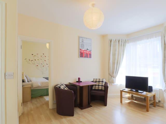 One Bedroom flat 54c