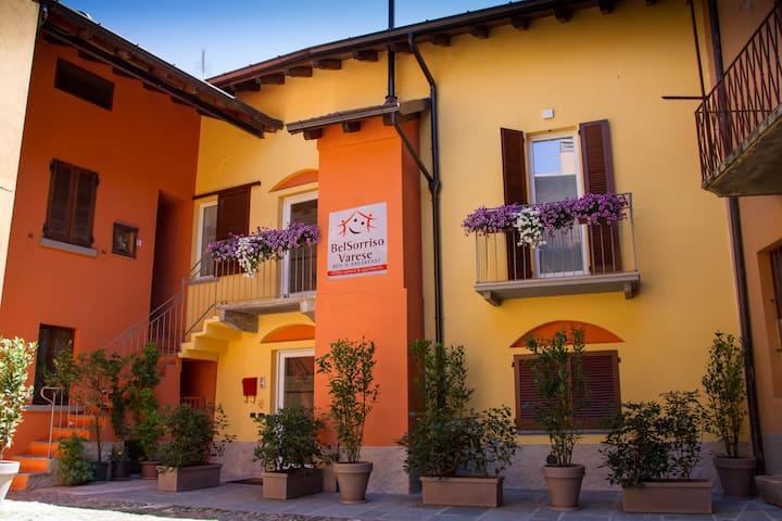 Monolocali - BelSorrisoVarese B&B e Apartments