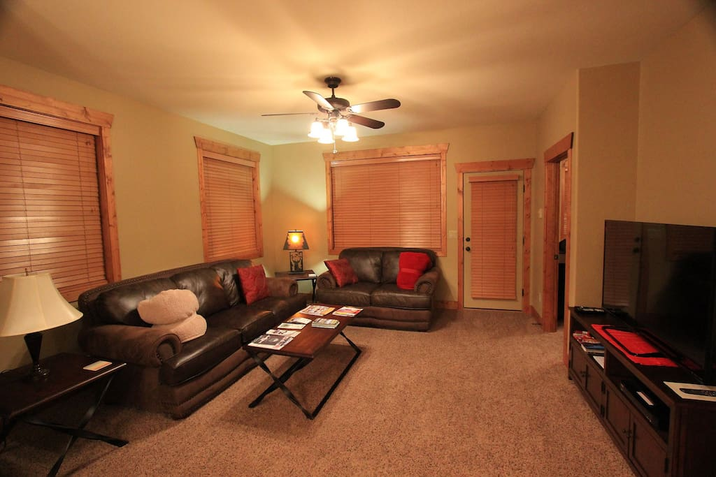 Family room with flat screen smart tv