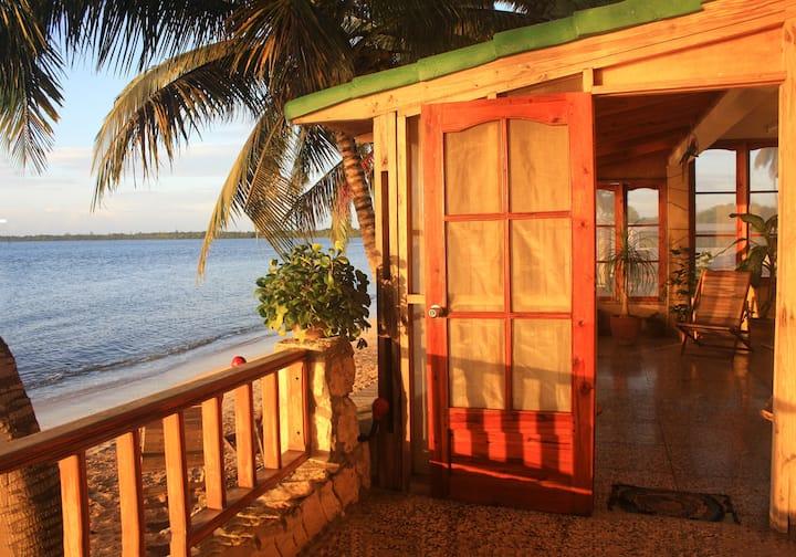 Hospedaje El Caribeño Habitación Frente al Mar