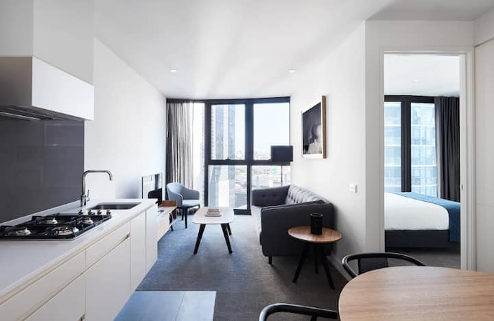 Luxury stay in Melbourne CBD