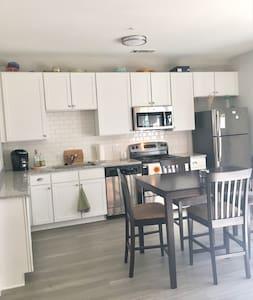 Brand New West Midtown Apartment - Atlanta