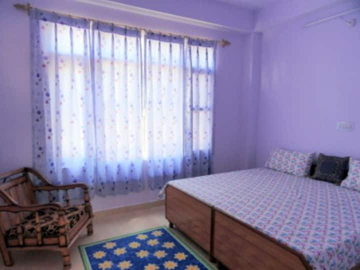 Aamantran Stays- Deluxe Room (Serene and calm)