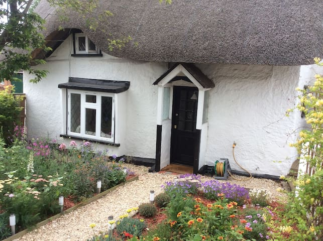 17th Century Thatched Cottage
