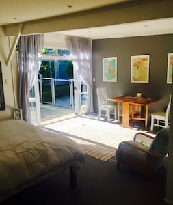 Quiet, relaxing, next to Blackbarn - Havelock North - Gästhus