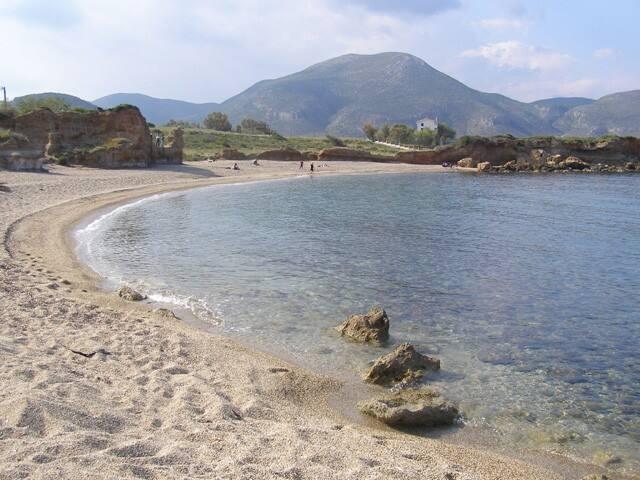 Ambelakia beach