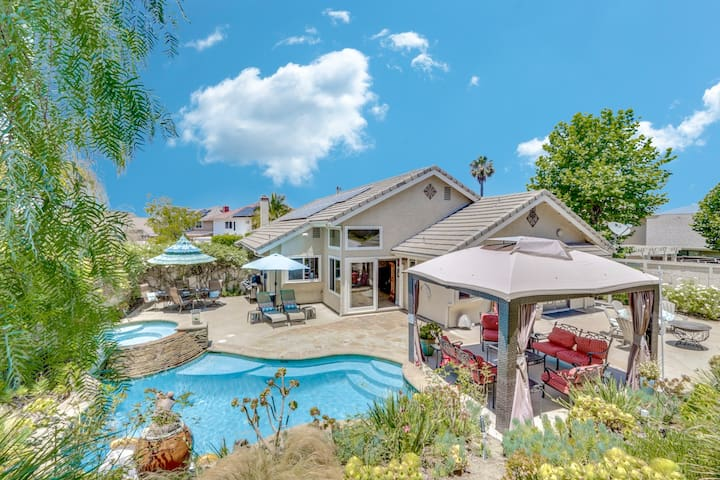 Beach Close Villa with Salt Water Pool & Spa