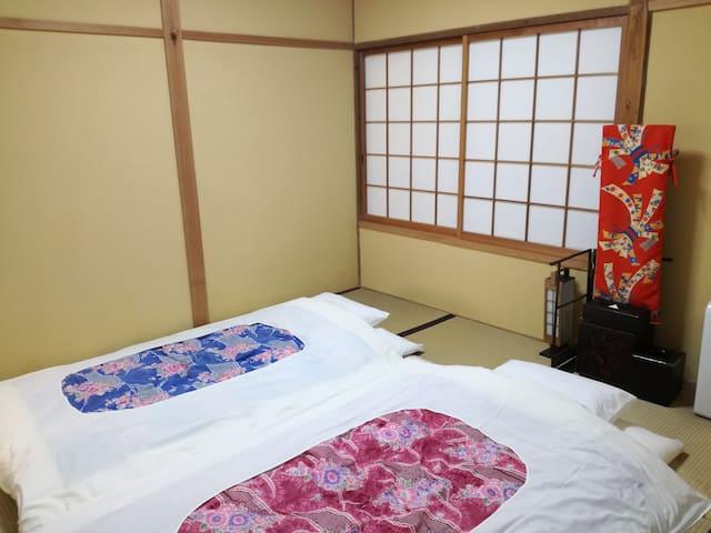 寝室3和室(2名)