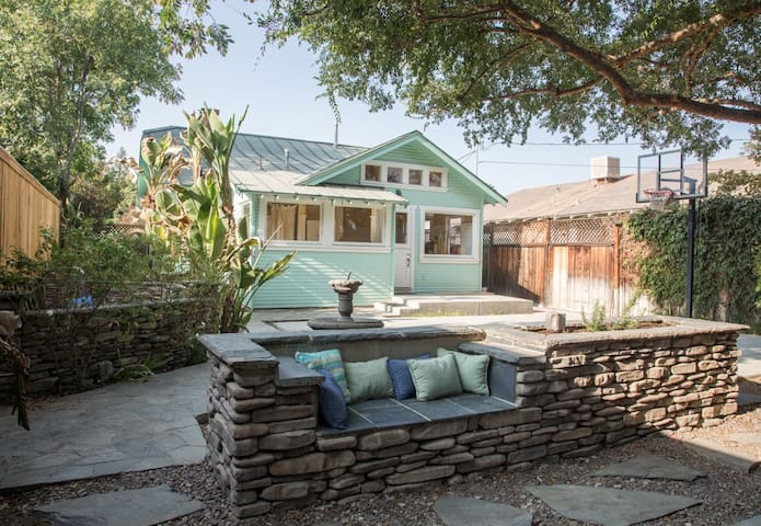 Mint Condition 1920s Charming Downtown Cottage