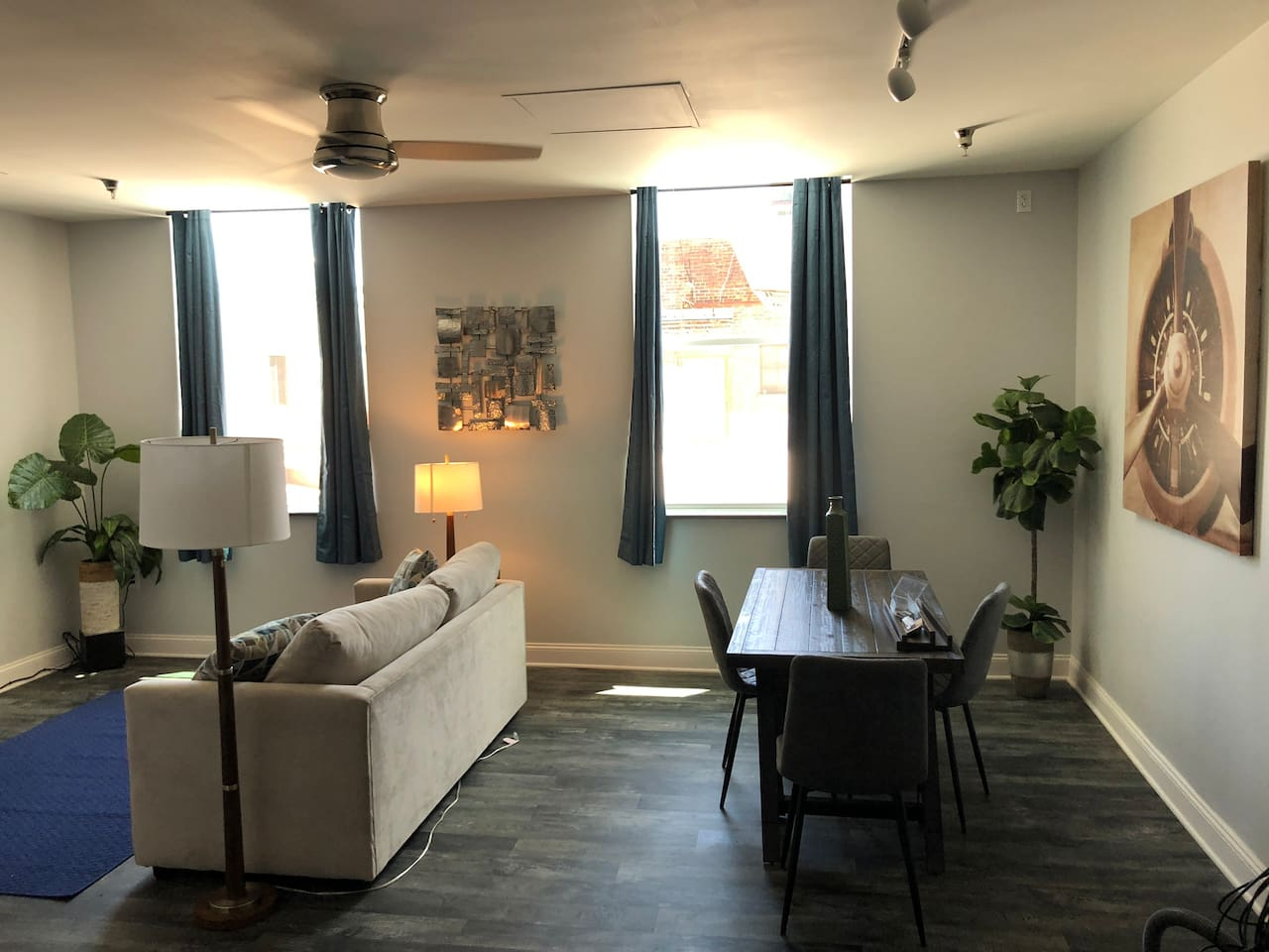 NEW Downtown Albany Apartment
