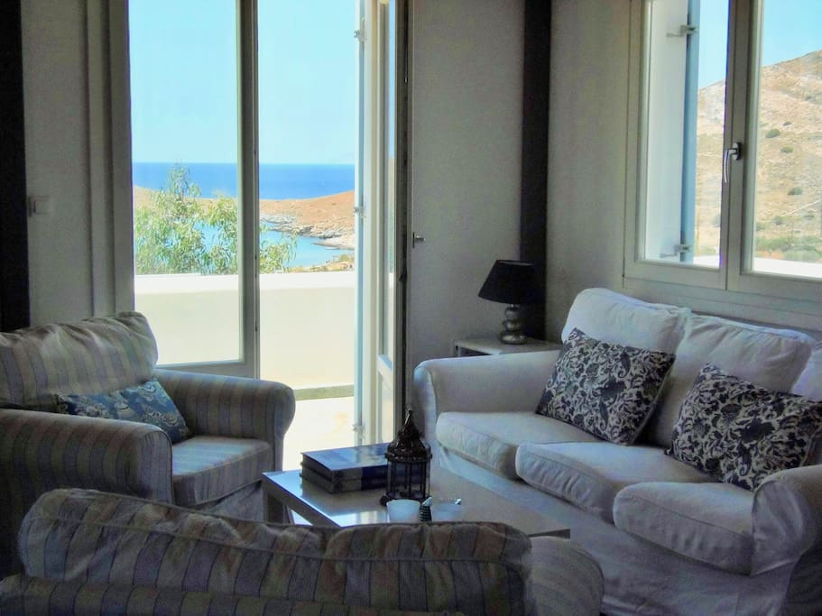 Lounge area with direct and spectacular sea views.