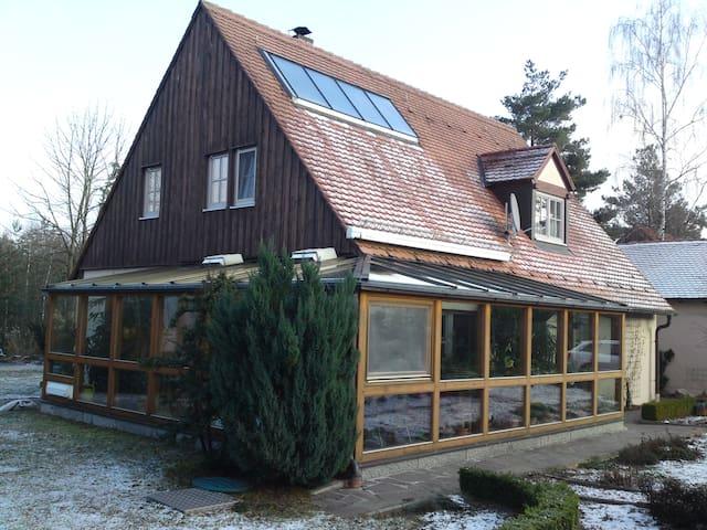Freistehendes Einfamilienhaus - Röttenbach - Talo